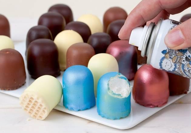 Современный способ украсить десерт
