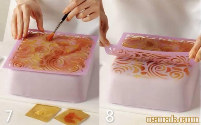 Рисунок кисочкой по трафарету для торта